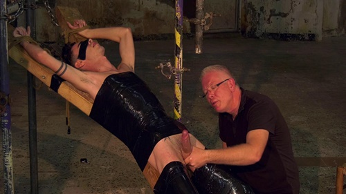 Hung Twink Gets Well Used